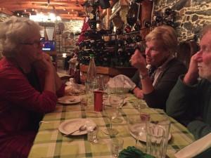 Vi åt en god middag med Mariannes greklärarinna holländskan Marijke och engelsmannen Roger.